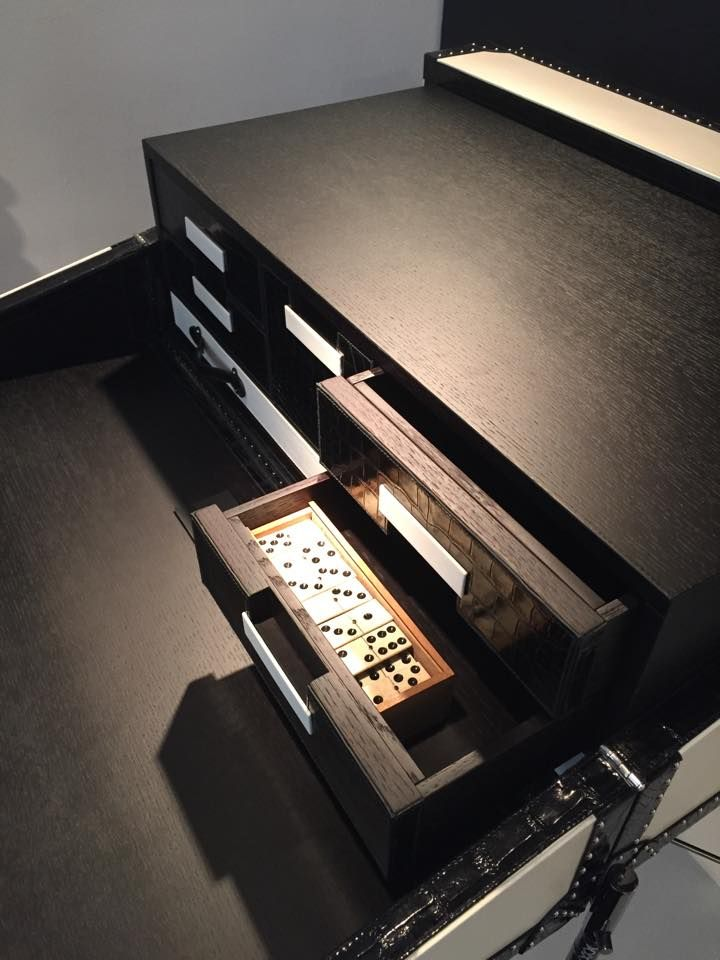 Let's play this #luxury game with #Bertoni1949 and its Game Trunk.