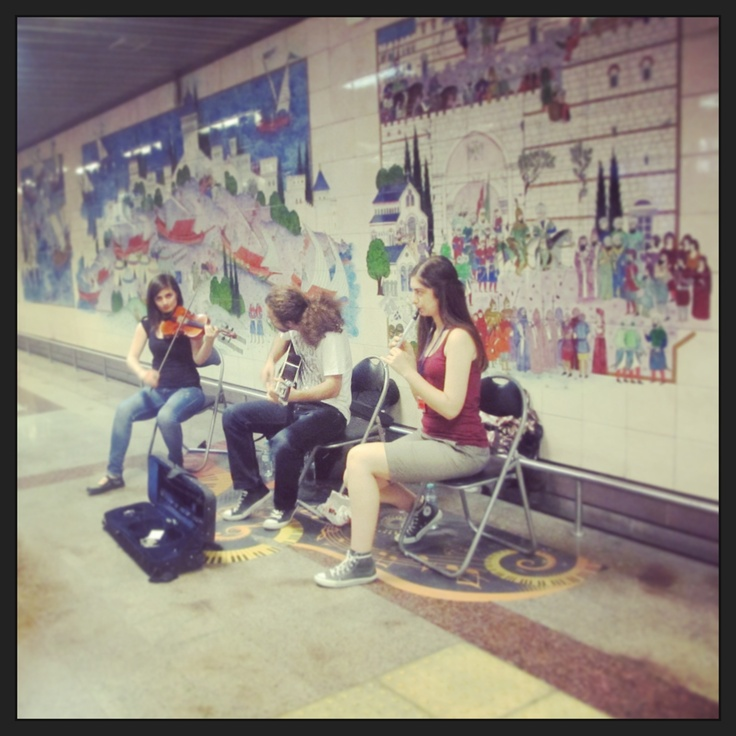 istanbul-metro station