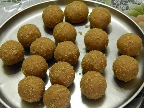 Churma Ladoo Recipe (wheat flour ladoo with jaggery) – Convenient to serve and richer in flavour, here comes a tempting Indian sweet or dessert recipe from west of India. Churma ladoo is a delicious sweet specially served as prasad on various auspicious occasions. Churma Ladoo is favourite sweet of