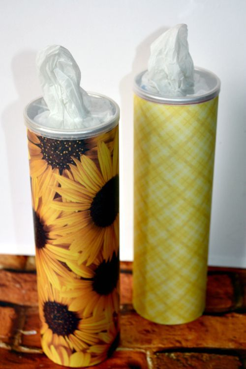 DIY Upcycled Pringles Can Grocery Bag Holder