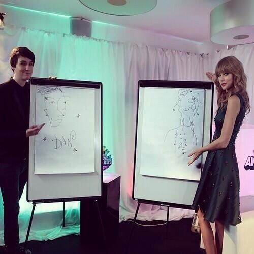 Click to see the interview Taylor did with Dan and Phil! <3 http://dressuplikehipsters.tumblr.com/post/65896048970/taylor-swift-interview-at-the-teen-awards