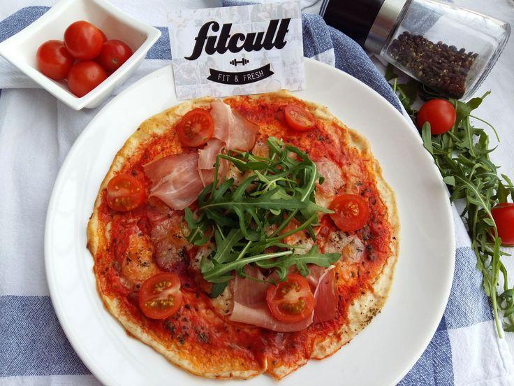 Perfektná pizza z tvarohového cesta s množstvom bielkovín a tukmi skoro na nule (Recept)
