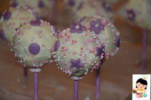 Violetta cake pops