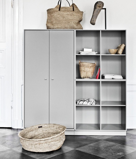 montana shelving system. don´t like the color, but love the look!