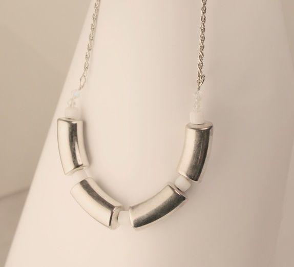 SALG Halssmykke med metall, fasetter