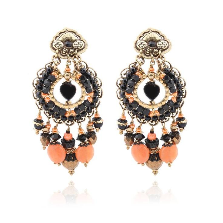 Boucles d'oreilles Aicha grand modèle Coloris Noir et Corail Prix : 95 €