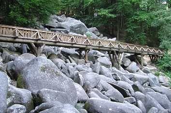 Brücke über das Felsenmeer