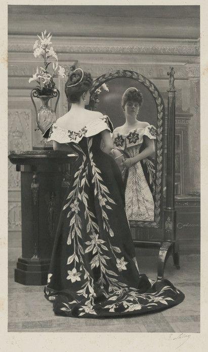 La mode retrouvée ( PAR QUI? OÙ EST LE COUPABLE?): la Comtesse Greffulhe par Paul Nadar, Worth 1896