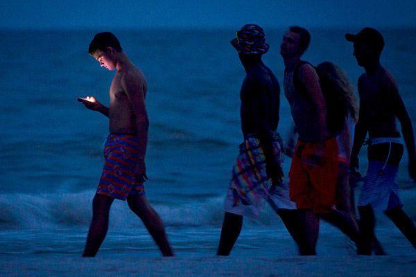 Как не разориться на мобильной связи за границей: Интернет: Интернет и СМИ: Lenta.ru