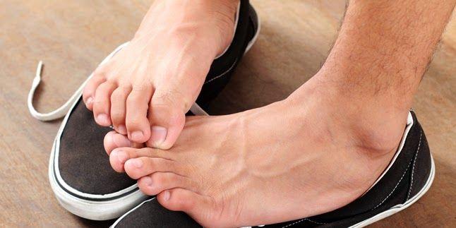 Cara Paling Mudah Menjaga Sepatu agar Terhindar dari Bau, tip seputar wanita, cara diet mudah dan sehat, model fashion wanita terbaru. Selengkapnya : http://ecicawillbe.blogspot.com/2014/10/cara-menghilangkan-bau-sepatu.html