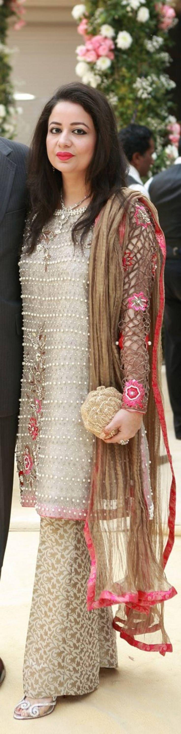 #TrendingNow: Girls In Pearls