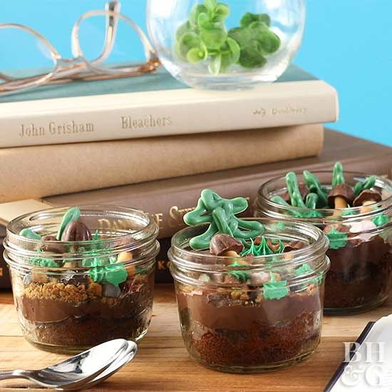 Grab a mason jar and follow our instructions to create this one-of-a-kind, nature-inspired dessert!