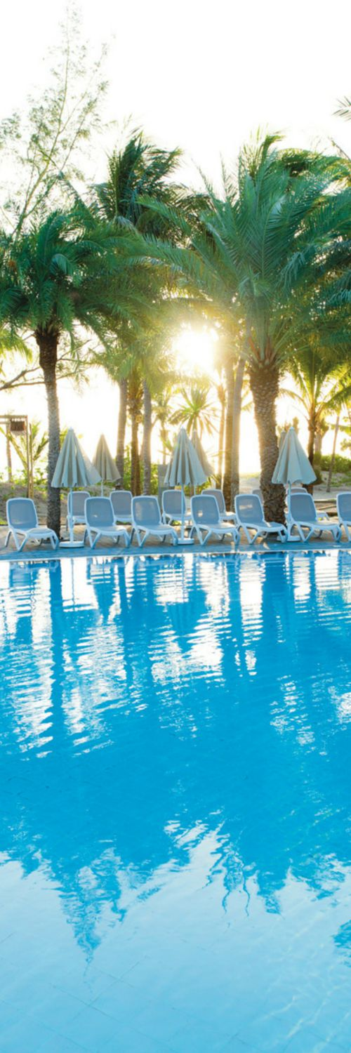 Sunrise at riu creole hotels in mauritius morne for Good all inclusive resorts