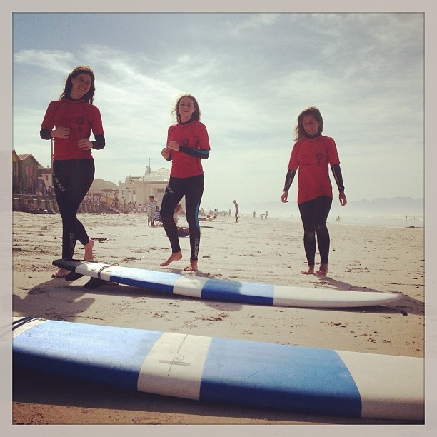 The girls are surfing! learning to surf with the crew from Surfshack supported by @billabongsa @billabonggirls_za @vonzippersouthafrica @vonzipperza - @surfshack_capetown- #webstagram