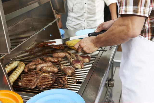 Gas Grill Reviews and Buying Advice. Hundreds of Grill Reviews ranked and Rated just for you. Impartial, expert advice on Grill Buying.