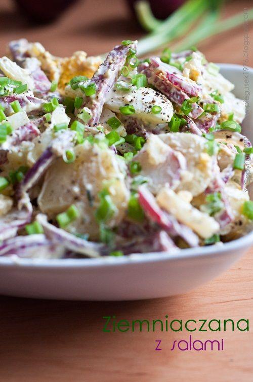 Sałatka ziemniaczana z salami #smakpodlasia #salami #tradycyjnewedlizy #zdrowazywnosc #skleponline #przepisy #salatka