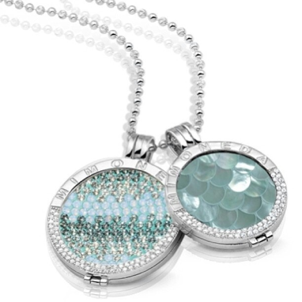 Beautiful Mi Moneda piece! Perfect #gift for the special woman in your life this #holiday season! Available at peoplespottery.com