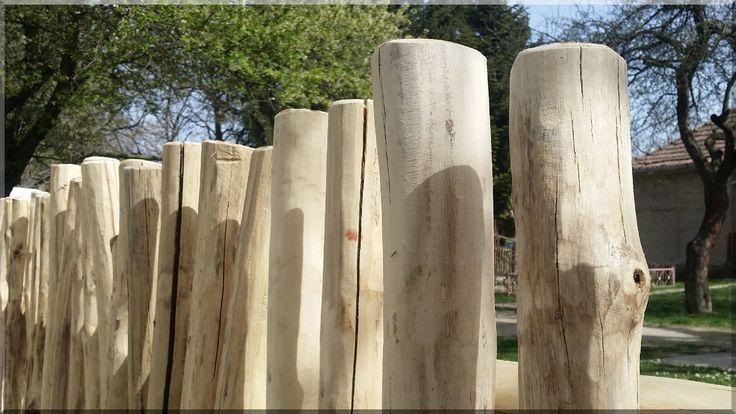 Rönkkerítés akác fából