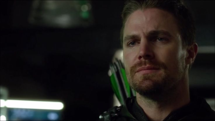 Arrow 5x09-Oliver tells Team Arrow he killed Billy