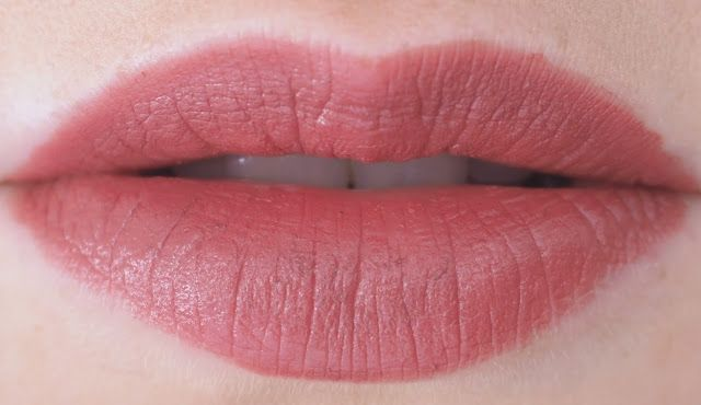 OSTOLAKOSSA: Täydellinen vaaleantumma huulipunasävy? Esittelyssa Jane Iredale PlayOn Lip Crayon sävyssä Luscious.