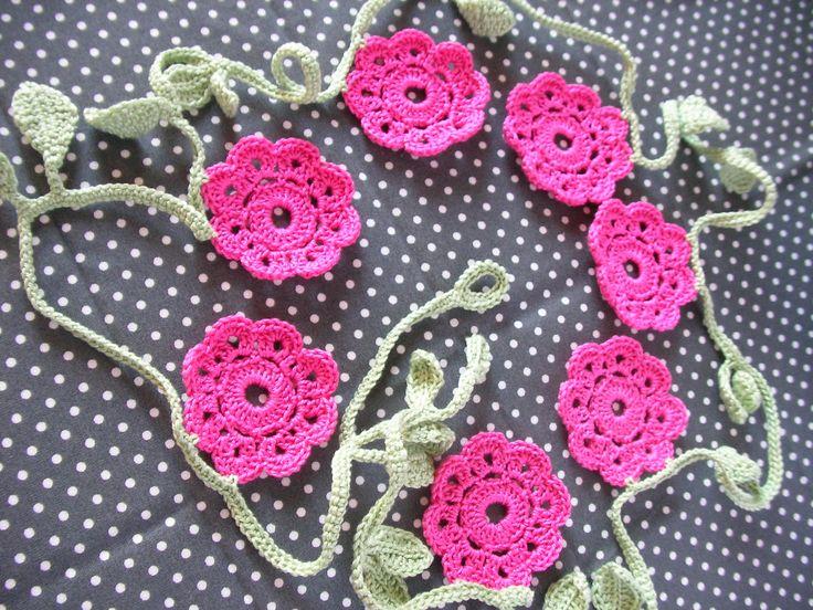 Crochet Garland, Flowers and leaves Garland, Wall Decor Garland, Crochet Bunting, Vintage Doily Banner di IaiaHobbyCrochet su Etsy