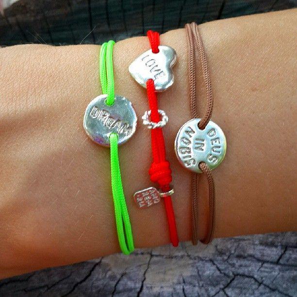 Веревочные браслеты, серебро 925 Цена 1200 руб Amorem.ru 89032225750