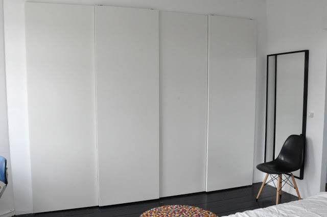Pin Von Tine Wyffels Auf Wohnung In 2020 Ikea Pax Einen Kleiderschrank Bauen Kleiderschrank Schiebeturen
