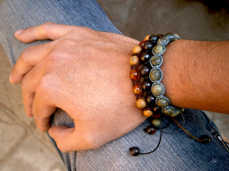 Nuevas #pulseras ajustables de #piedras #semipreciosas en #cuero y cordón de #algodón encerado.