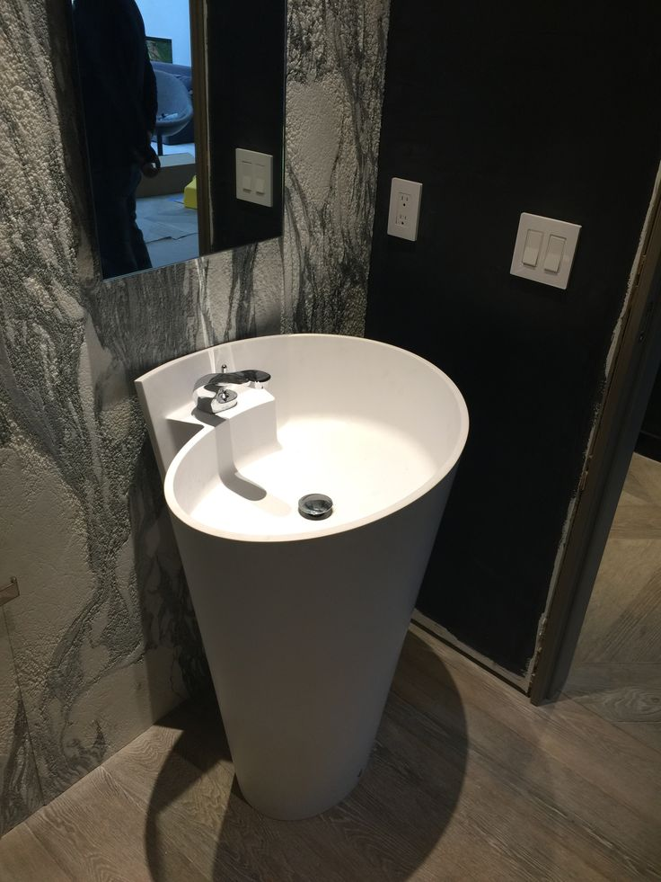 Kon free-standing #basin ‪#‎spotted‬ in ‪#‎Miami‬! #design #bathdesign #designbath #bathroom #architecture #villa #luxury #house #homedecor #sink #washbasin