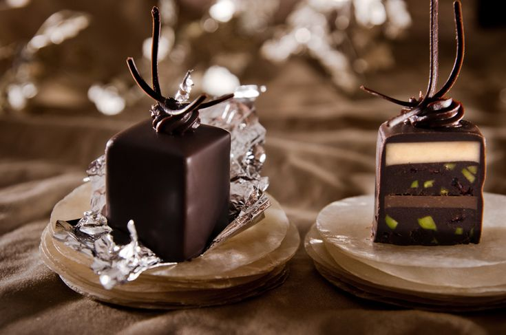 Petit Fours recipe from Joy of Kosher. These make me want to run a cake shop.