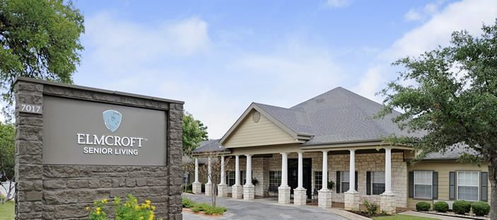 Elmcroft Of Austin Presents A Graceful Colonnade To Visitors Who Pull Up To The Front Entrance Of Its Fa Senior Living Communities Assisted Living Respite Care