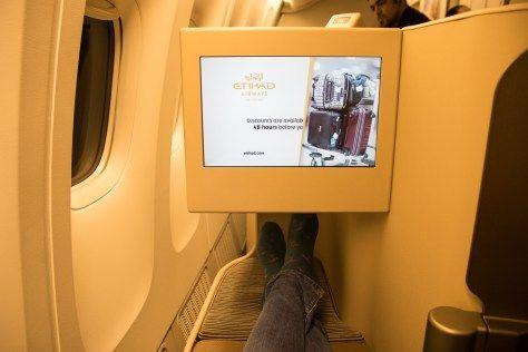 Füße hoch in der Etihad Business Class Boeing 777-300ER