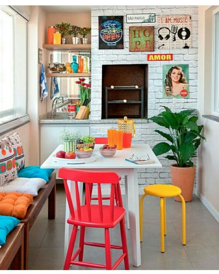 Eclectic mix of primary colors in this simplistically cute dining area.