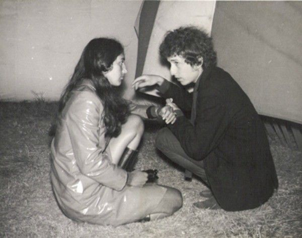 Bob Dylan and Joan Baez at the Newport Folk Festival, 1964