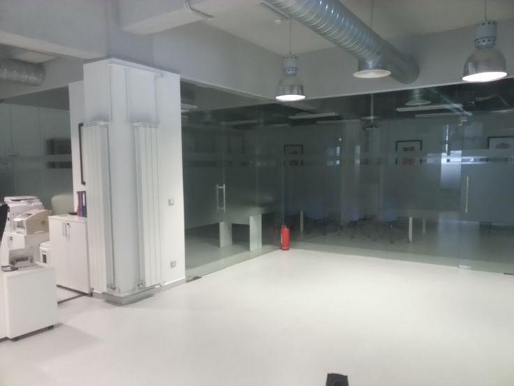 Compartimentari birouri din sticla