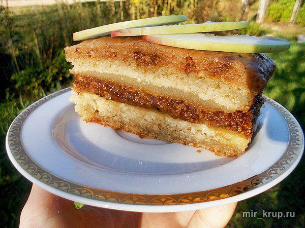 Торт с яблочным муссом и фундучным пралине