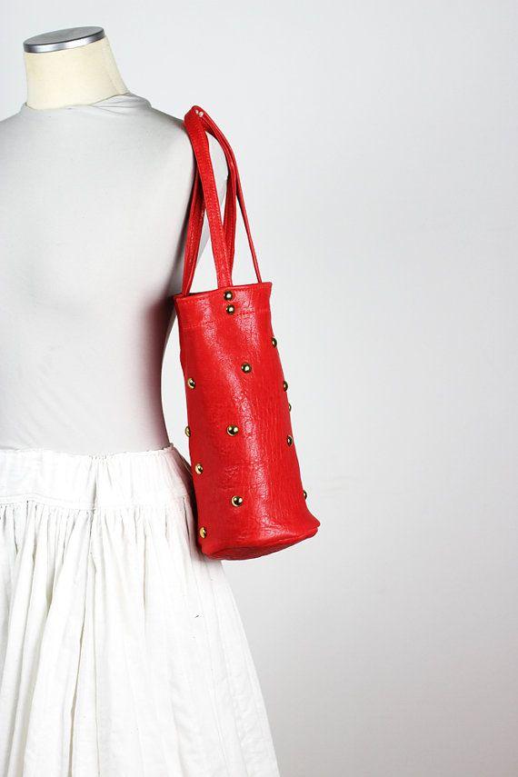 Cuero rojo pequeño bolso del hombro / clavado rojo bolso