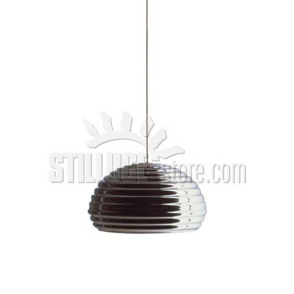 Flos Splugen  Brau Lampada a sospensione a luce diretta. Riflettore in alluminio tornito in lastra lucidato e protetto da una vernice trasparente. Attacco a soffitto di acciaio e rosone in ABS sottovuoto di colore bianco lucido.