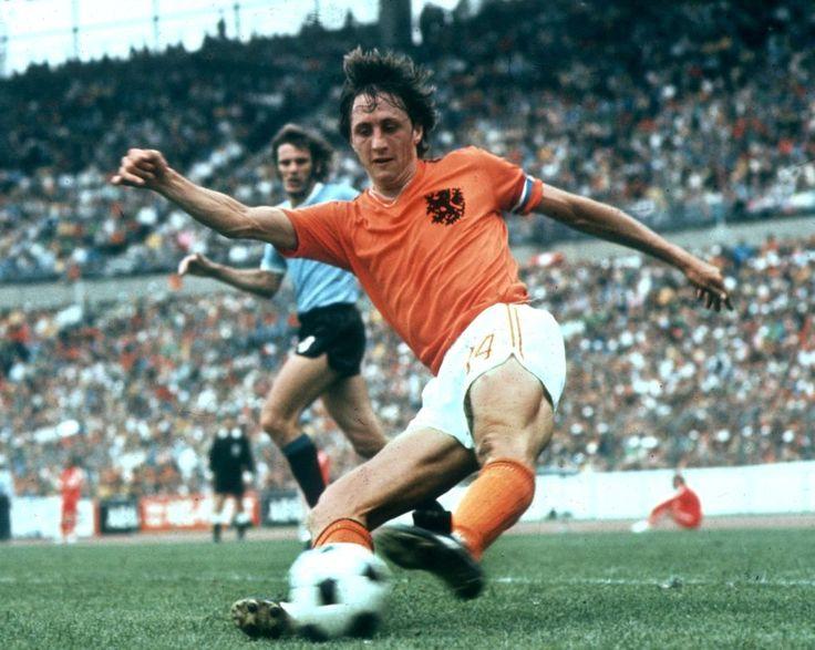 Johan Cruyff, con la selección holandesa durante el mundial de fútbol de Alemania en 1974. El equipo quedó subcampeón, pero deslumbró al mundo con su fútbol total.