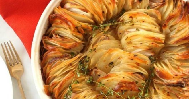 Жареный в духовке хрустящий картофель. Идеальное блюдо для веселой компании!