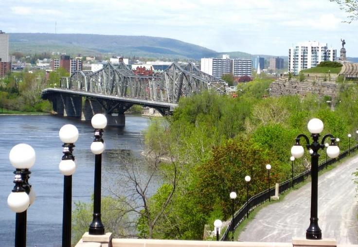 Ottawa - Bridge to Quebec