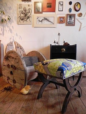 African decor - just without the spider!