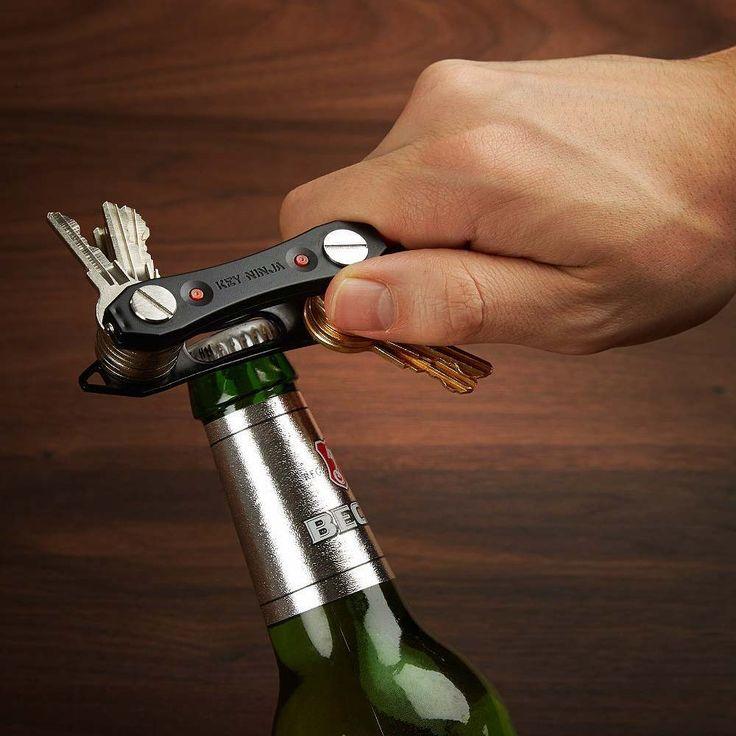 Ninja Key Organizer  Haal nu de super slimme ninja key organiser waarmee je tot 30 sleutels in kan bewaren. De ingebouwde dual led lampje en flesopener komen zeker van pas.  EUR 9.95  Meer informatie