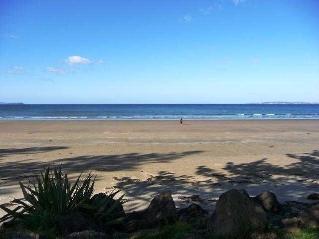 Orewa Beach House....seconds to beach