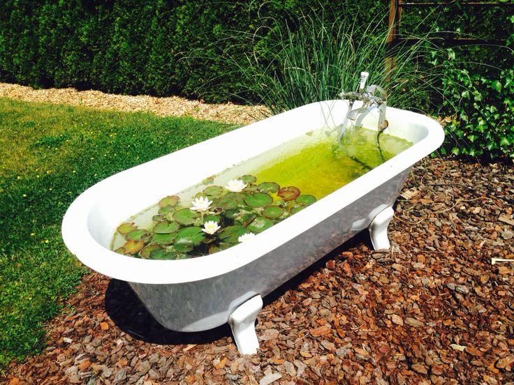 Die besten 25 alte badewanne ideen auf pinterest entspannenden bad unkonventionelles - Badewanne im garten ...