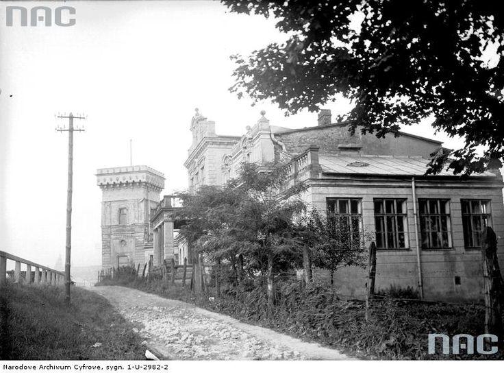 Fragment Pałacu Lasockich z zewnątrz przy ul.Tynieckiej w Krakowie.Rok 1928