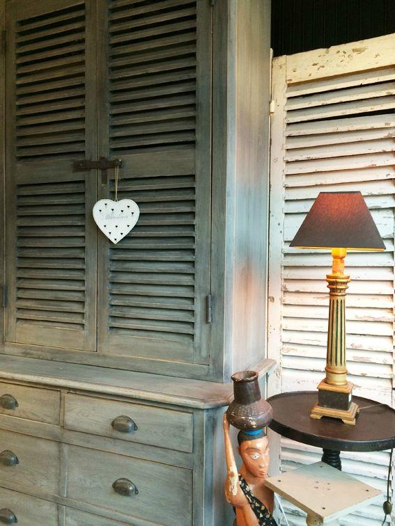 les 79 meilleures images propos de persiennes sur. Black Bedroom Furniture Sets. Home Design Ideas