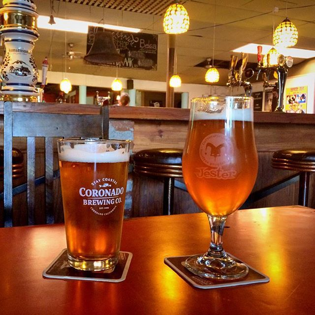 Yungay viejo. Un súper buen bar en barrio Yungay, con gran variedad de cervezas en barril, incluidas algunas favoritas como la Coronado y la Jester. Una carta de comidas variada y rica. El lugar es lindo y relajado. Muy recomendado. @cerveceria_yungay_viejo #coronado #jester #beer #cerveza #cervezaartesanal #barrioyungay #plazayungay #cervezaria #bar #craftbeer #sandiegoconnection #sdlocals #coronadolocals - posted by De Bar En Bar https://www.instagram.com/de_bar_en_bar. See more post on…
