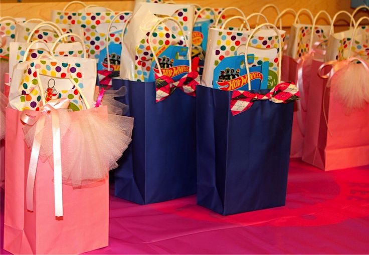 Tutu and bowties favor bags
