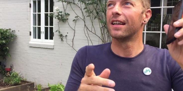 Facebook: Chris Martin comparte video bailando canción de Shakira